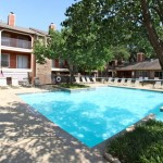 Arlington Oaks Apartment Pool