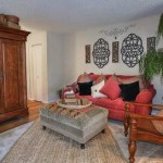Oak Forest Apartment Living Room